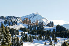Vista della città della montagna di Avoriaz in alpi Fotografia Stock