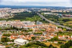 Vista della città di Almada vicino a Lisbona Fotografie Stock Libere da Diritti