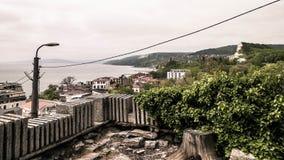 Vista della città di Balchik, Bulgaria immagini stock