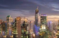 Vista della città di Bangkok al tramonto Grande kaeo di phra del wat e del palazzo Fotografia Stock Libera da Diritti