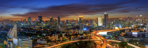 Vista della città di Bangkok con la superstrada Fotografia Stock Libera da Diritti