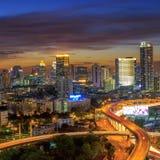 Vista della città di Bangkok con la superstrada Fotografia Stock