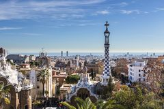 Vista della città di Barcellona dal parco Guell immagine stock libera da diritti