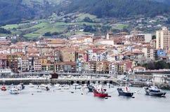 Vista della città di Bermeo, Paese Basco, Spagna. Immagine Stock