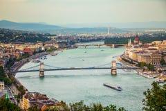 Vista della città di Budapest al Parlamento ed a Margaret Island ungheresi Immagine Stock Libera da Diritti