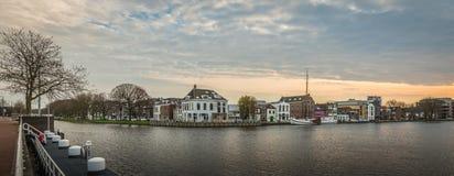 Vista della città di Delft immagini stock libere da diritti