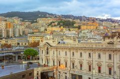 Vista della città di Genova in Italia immagine stock libera da diritti