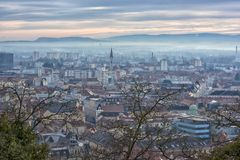 Vista della città di Graz da sopra, l'Austria Immagine Stock