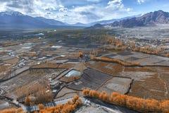 Vista della città di Leh, la capitale di Ladakh, India del Nord Fotografia Stock Libera da Diritti