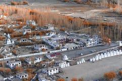 Vista della città di Leh, la capitale di Ladakh, India del Nord Fotografie Stock