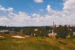 Vista della città di Nižnij Tagil dalla cima della montagna Fotografia Stock Libera da Diritti