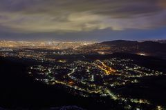 Vista della città di notte immagine stock