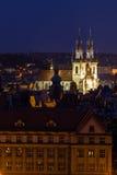 Vista della città di Praga nella notte, repubblica Ceca Immagini Stock