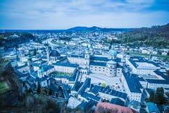Vista della città di Salisburgo dalla fortezza Hohensalzburg in Austria, tempo di primavera Fotografia Stock