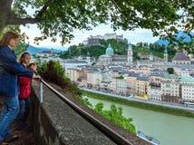 Vista della città di Salisburgo di estate da alto (l'Austria) Immagini Stock Libere da Diritti