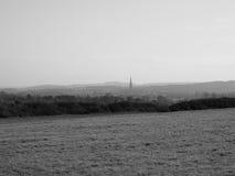 Vista della città di Salisbury in bianco e nero fotografie stock