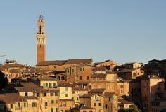 Vista della città di Siena in Italia fotografia stock
