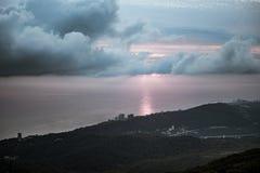 Vista della città di Soci dall'più alto punto della città, supporto Akhun immagine stock