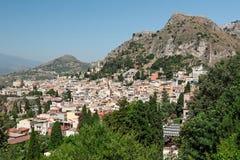Vista della città di Taormina, Sicilia, Italia Fotografie Stock