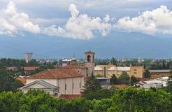 Vista della città di Udine e delle montagne Immagine Stock Libera da Diritti