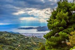 Vista della città di Volos dal supporto di Pelio, Grecia Fotografia Stock Libera da Diritti