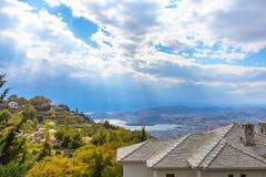 Vista della città di Volos dal supporto di Pelio, Grecia Immagini Stock Libere da Diritti