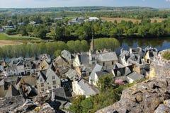 Vista della città e fiume Vienne Chinon france Fotografia Stock