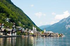 Vista della città famosa di Hallstatt Lakeside nelle alpi Fotografia Stock Libera da Diritti