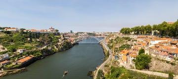 Vista della città Oporto e del ponte di Eiffel nel Portogallo Immagini Stock