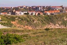 Vista della città sull'alta costa Fotografia Stock