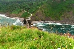 Vista della costa dalla cappella Doniene Gaztelugatxeko Fotografie Stock Libere da Diritti