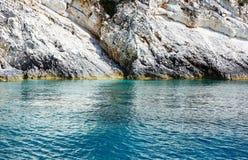 Vista della costa di Kefalonia di estate (Grecia) Immagini Stock