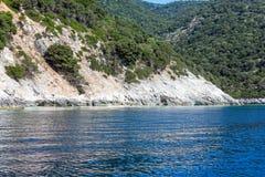 Vista della costa di Kefalonia di estate (Grecia) Fotografia Stock