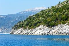 Vista della costa di Kefalonia di estate (Grecia) Fotografia Stock Libera da Diritti
