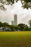 Vista della costruzione della città di tombola dal parco del lungomare immagine stock libera da diritti