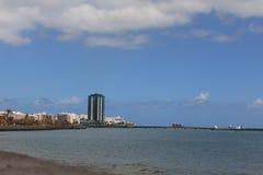 Vista della costruzione più alta nella capitale Arrecife Immagini Stock