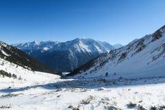 Vista della cresta della montagna di Syltran La Russia La Russia immagini stock libere da diritti