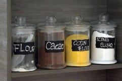 Vista della cucina, contenitori degli ingredienti Fotografia Stock Libera da Diritti