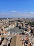 Vista della cupola del Vaticano di Roma fotografia stock libera da diritti