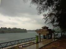 Vista della diga di Neyyar fotografia stock libera da diritti