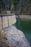vista della diga e dell'acqua Fotografia Stock