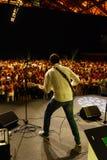Vista della fase, chitarrista, musica, concerto, folla, esecutore Fotografia Stock