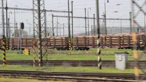 Vista della finestra del viaggio in treno stock footage