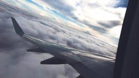 Vista della finestra dell'aeroplano Viaggio dell'aria archivi video