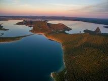 Vista della foresta alpina sul fianco di una montagna nel Kazakistan Fotografia Stock Libera da Diritti