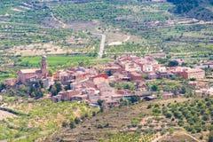Vista della foresta e della città nella provincia della Catalogna, Spagna Vista superiore Fotografie Stock Libere da Diritti