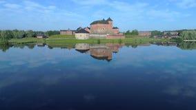 Vista della fortezza antica del video aereo di Hameenlinna finland video d archivio
