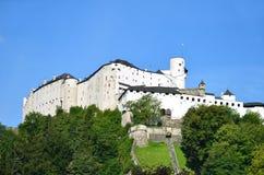 Vista della fortezza di Hohensalzburg a Salisburgo Austria Fotografia Stock