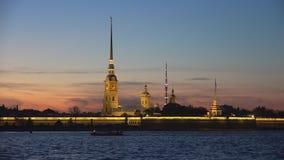 Vista della fortezza di Paul e di Peter, sera St Petersburg video d archivio