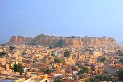 Vista della fortificazione di Jaisalmer e della città, India Fotografie Stock